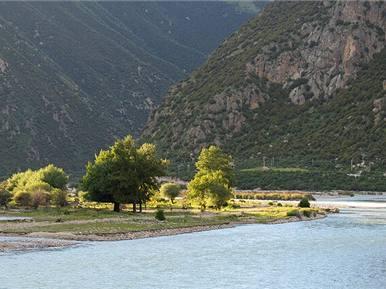 去川藏线旅游成都租车拉萨还车流程